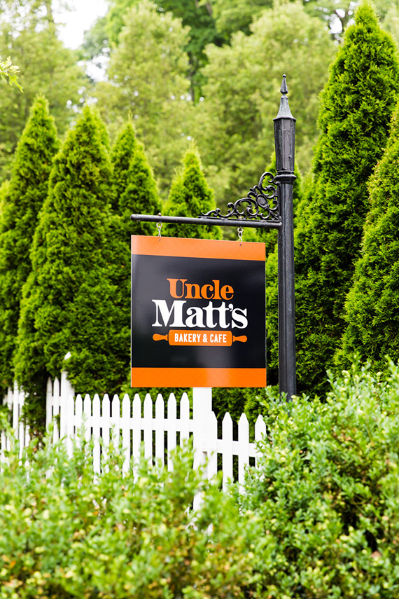 UncleMatts_FrontSign